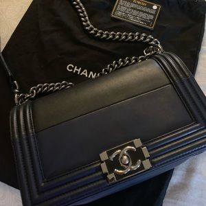 Chanel boy lambskin medium, limited edition!